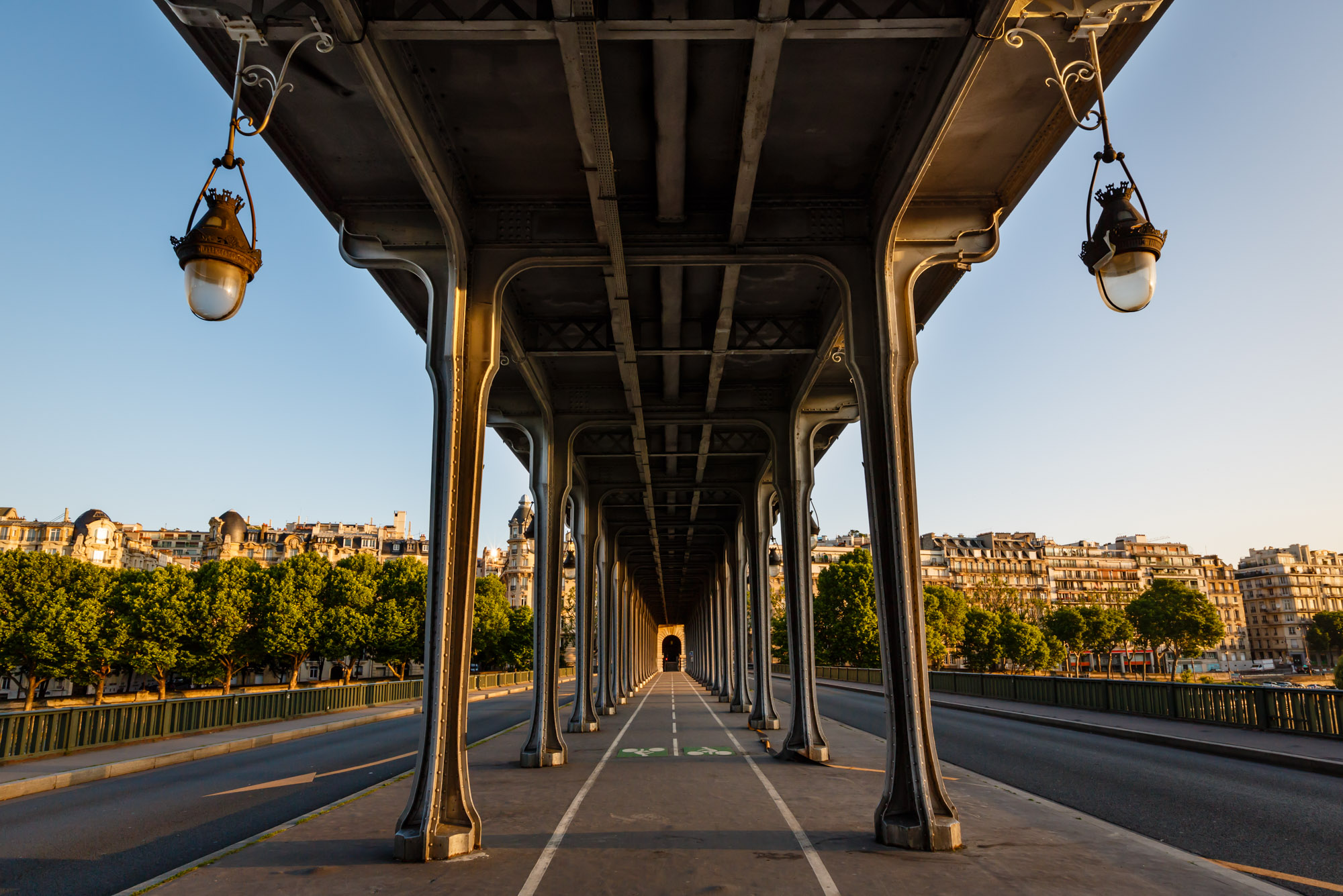 Bir-Hakeim Bridge, Paris, France