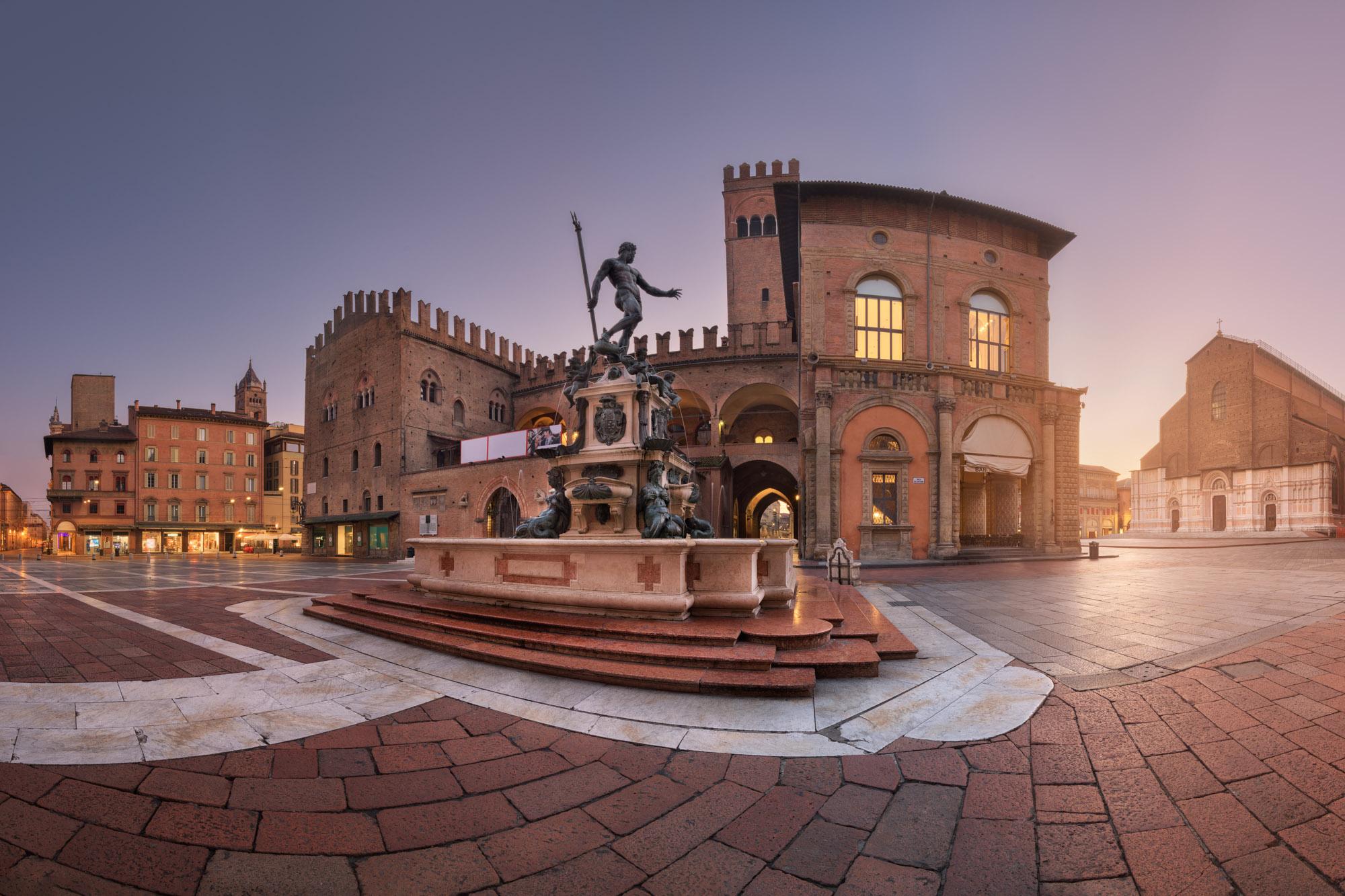 Fountain of Neptune and Piazza del Nettuno, Bologna, Italy