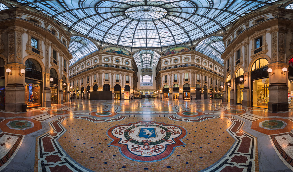 Famous Bull Mosaic, Galleria Vittorio Emanuele II, Milan, Italy