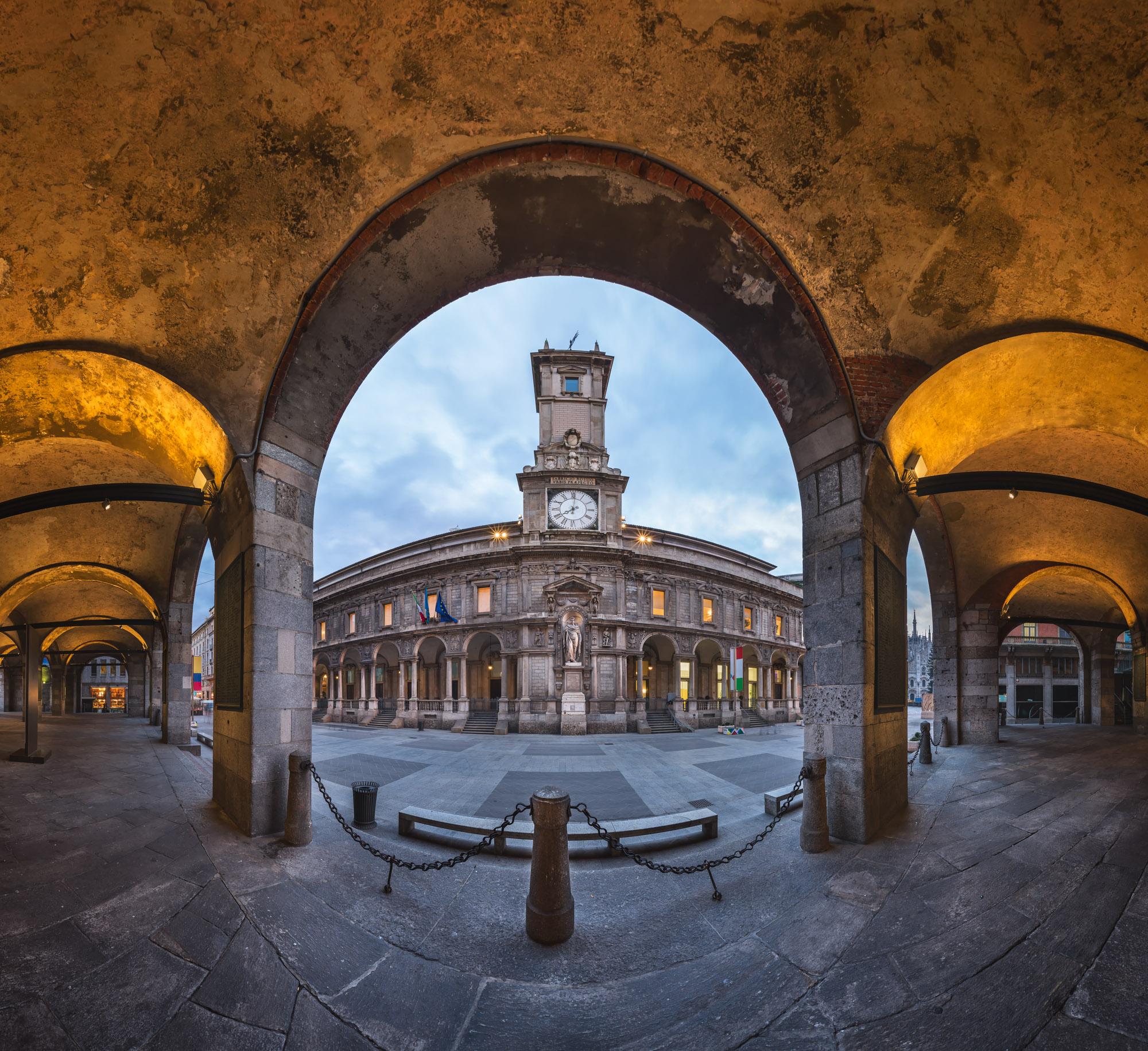 Palazzo della Ragione and Via dei Mercanti, Milan, Italy