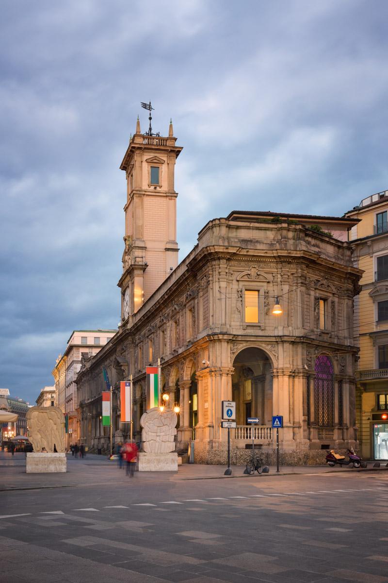 Piazza del Duomo, Via dei Mercanti, Milan, Italy