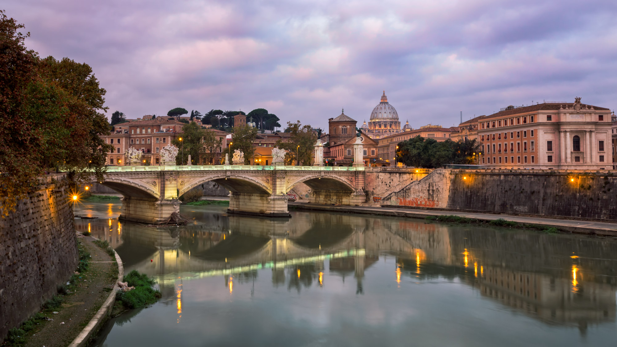 Vittorio Emmanuele II Bridge, Rome, Italy