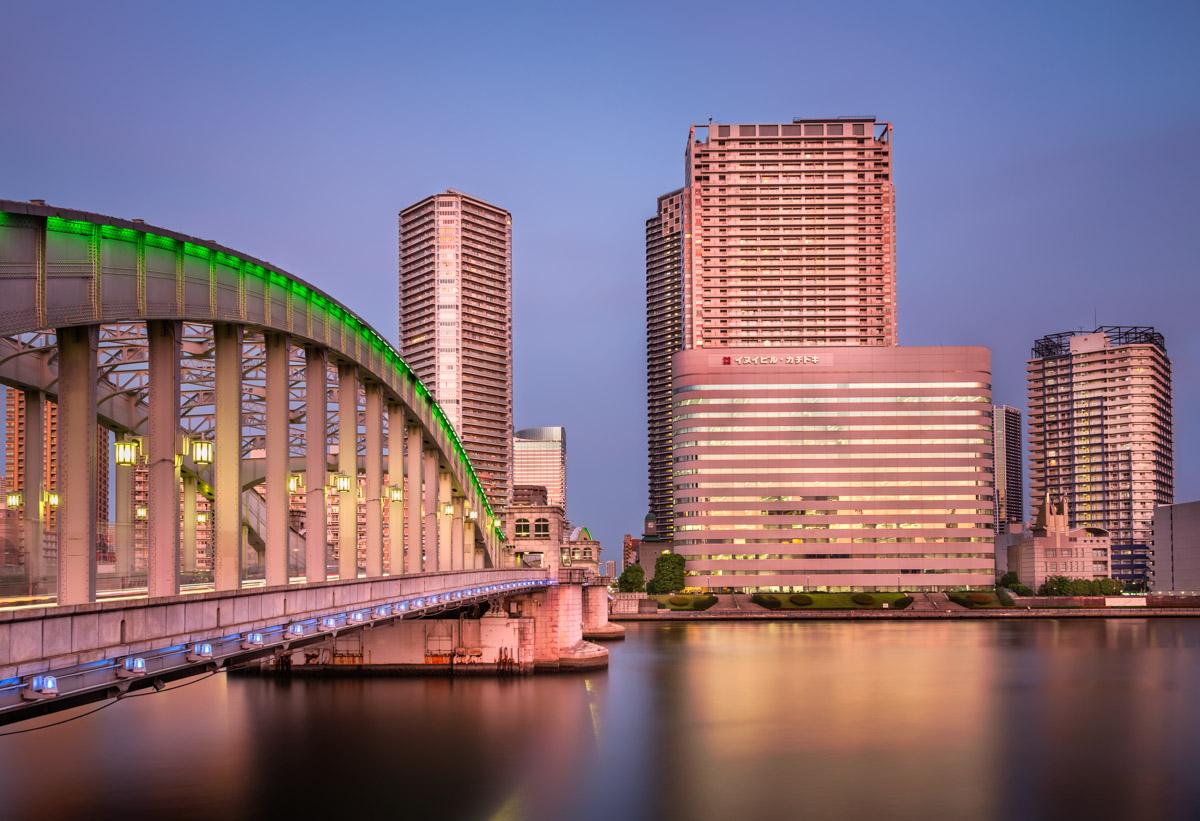 Kachidoki Bridge, Sumida River, Tokyo, Japan