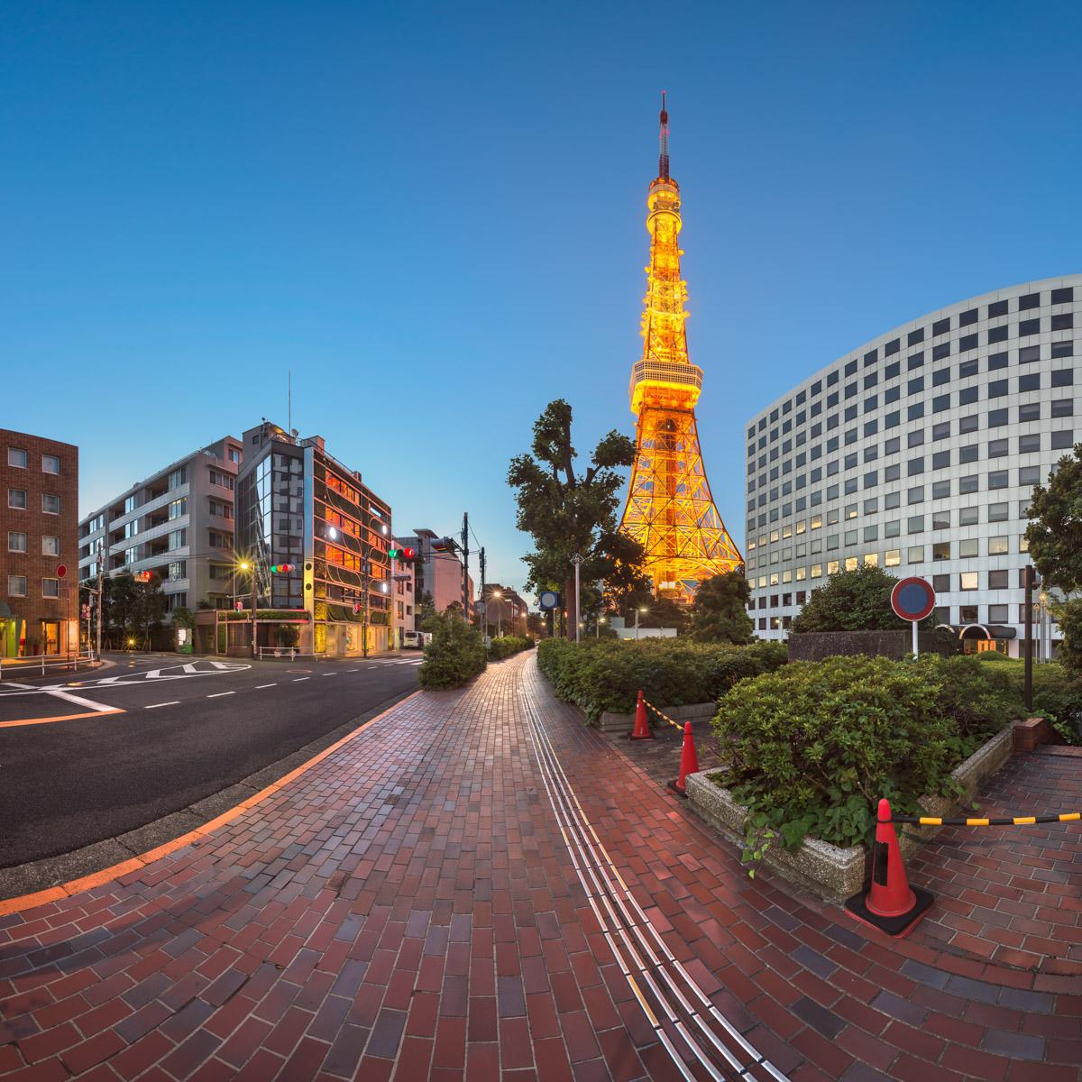 Tokyo Tower and Shibakoen Street, Tokyo, Japan