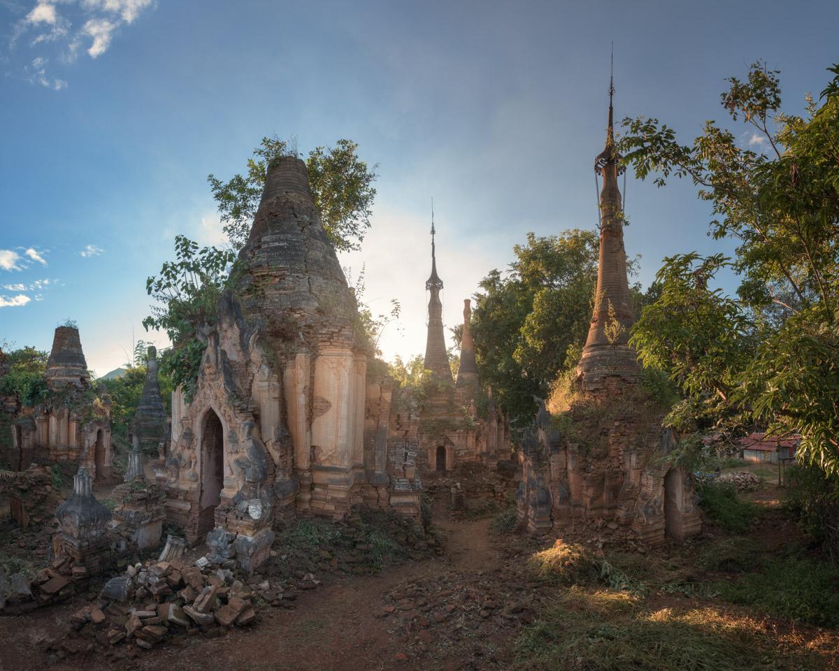 Nyaung Ohak Pagodas, Inle Lake, Myanmar