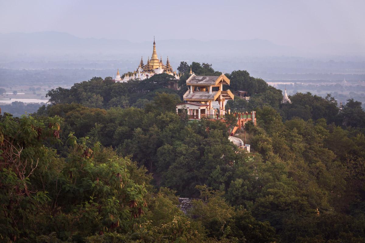 Uminkoeze Pagoda, Sagaing Hill, Myanmar