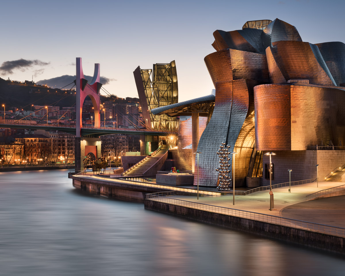 Salbeko Zubia Bridge and Guggenheim Museum, Bilbao, Spain